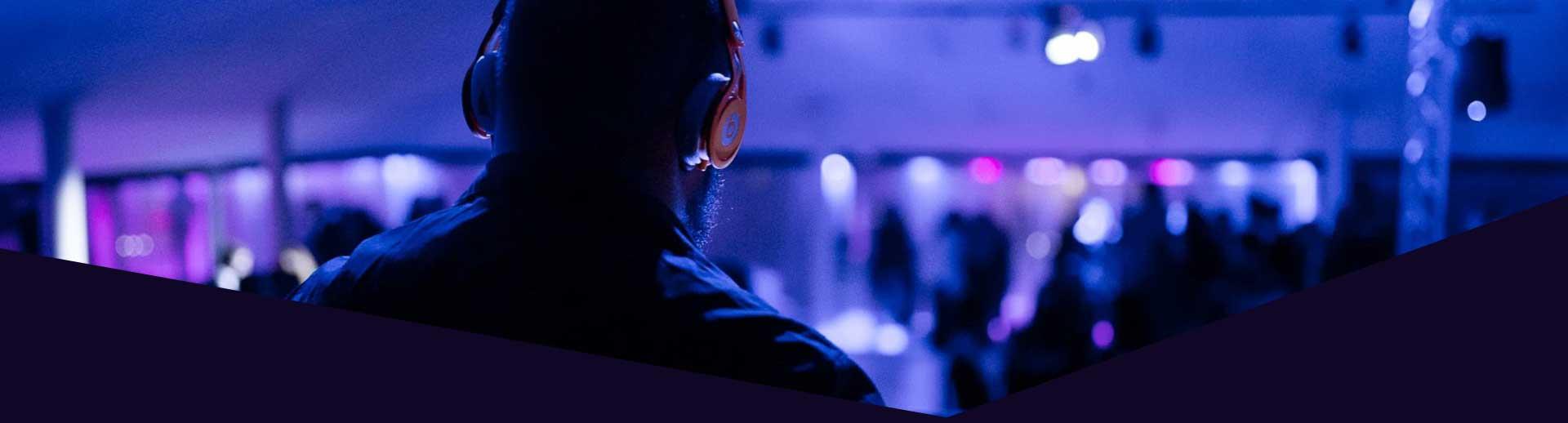 Black Hole Milano | Discoteche e night club a Milano per feste e musica dal vivo | Discoteca Milano Eventi in discoteca